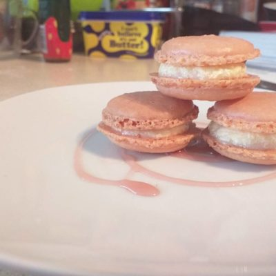 Catering student macarons